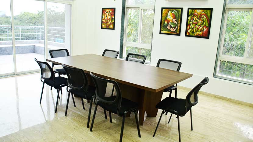 nanda dental care conference room-2